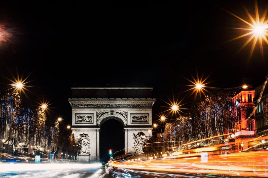 new-year's-eve-celebrating-at-the-Champs-Elysees