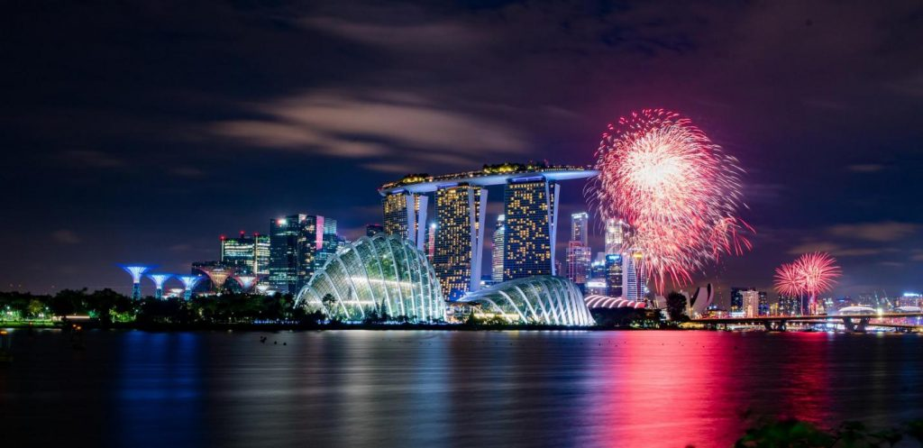 new-year's-eve-fireworks-at-Marina-Bay-1