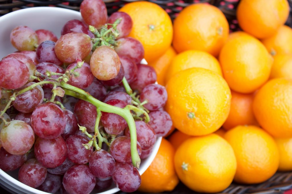 new-years-eve-traditions-eating-grapes-for-12-wishes