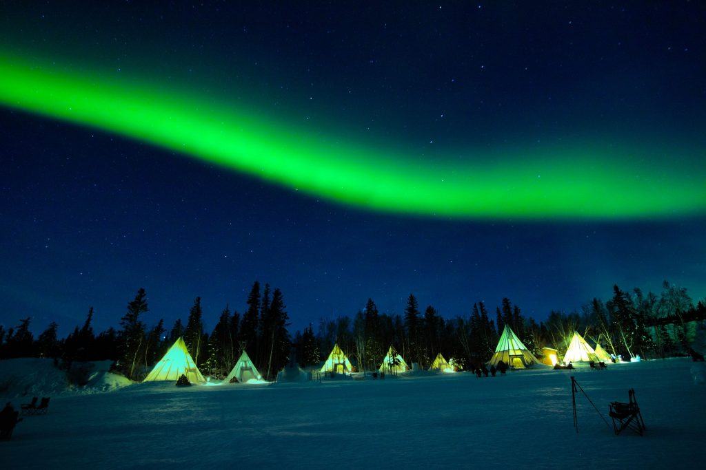 new-years-eve-watching-the-northern-lights-from-Yellowknife-Canada
