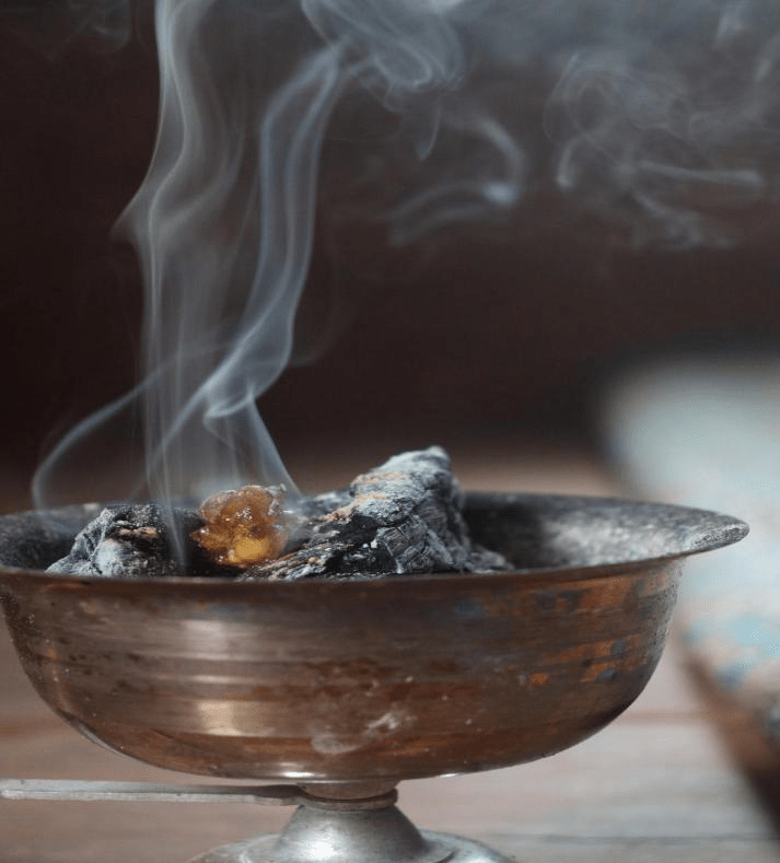 What-are-some-good-haunted-house-ideas-Burn-incense