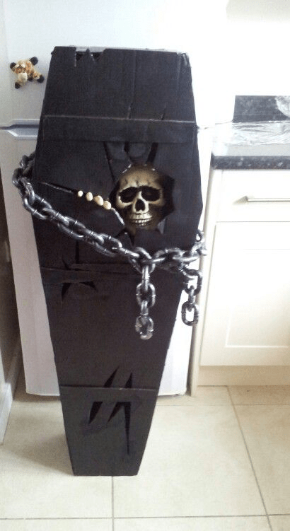What-are-some-good-haunted-house-ideas-Contruct-a-coffin
