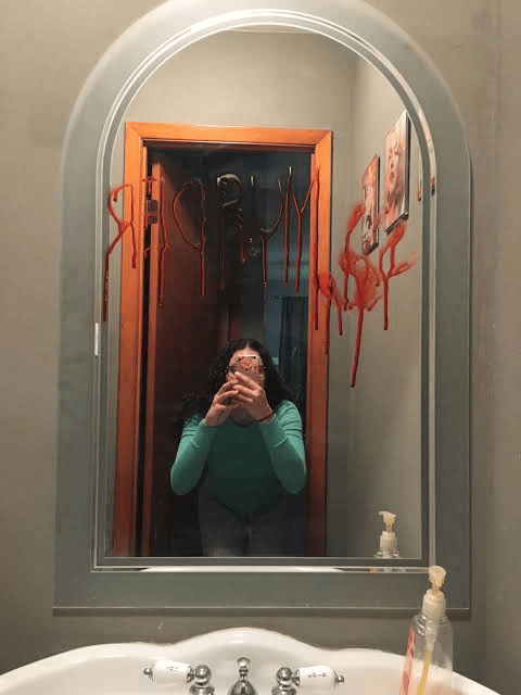 What-are-some-good-haunted-house-ideas-blood-on-the-mirrors