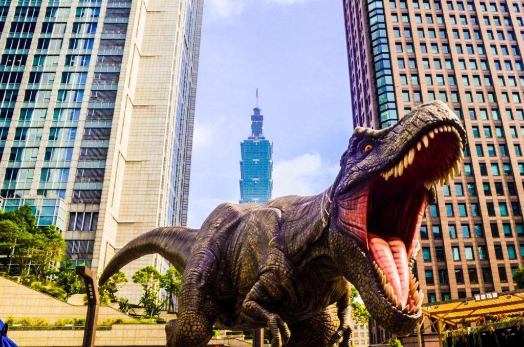 dinosaur-comics-roaring-T-Rex-in-the-city-1