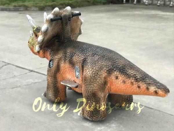 Animatronic-Outdoor-Triceratops-Dinosaur-Ride3