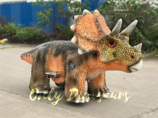 Animatronic-Outdoor-Triceratops-Dinosaur-Ride5