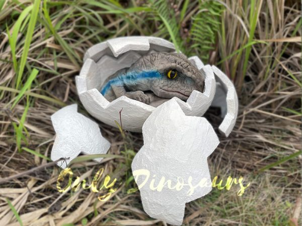 Animatronic-Raptor-egg-Hatching-Puppet1