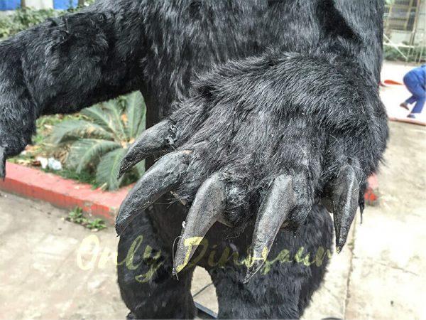 Black-Animatronic-Bear-with-Sharp-Teeth-7