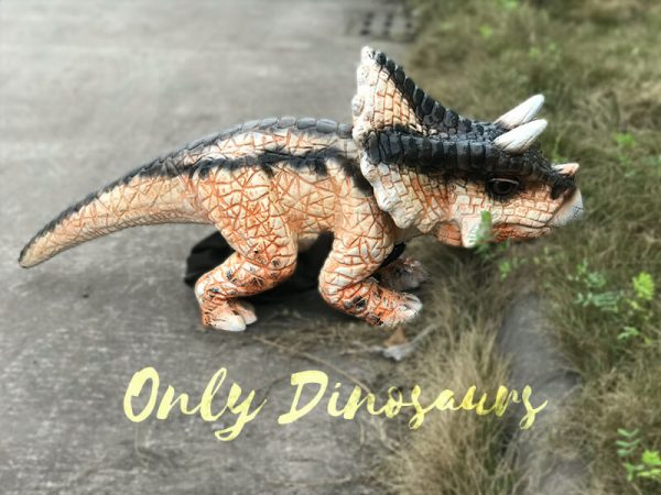 Cute-Baby-Triceratops-Dinosaur-Puppet(5)