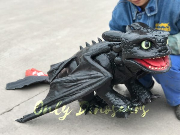 Cute-Toothless-Dragon-Puppet3