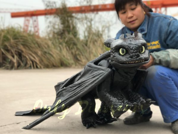 Cute-Toothless-Dragon-Puppet4