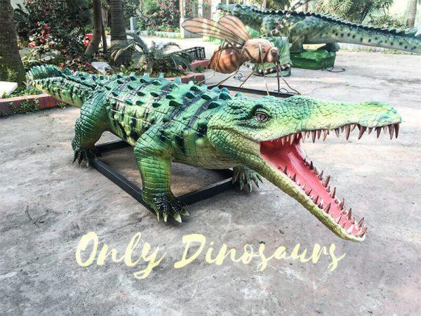 Green-Animatronic-Crocodile-with-Tusks-1
