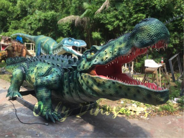 Green-Animatronic-Crocodile-with-Tusks-2