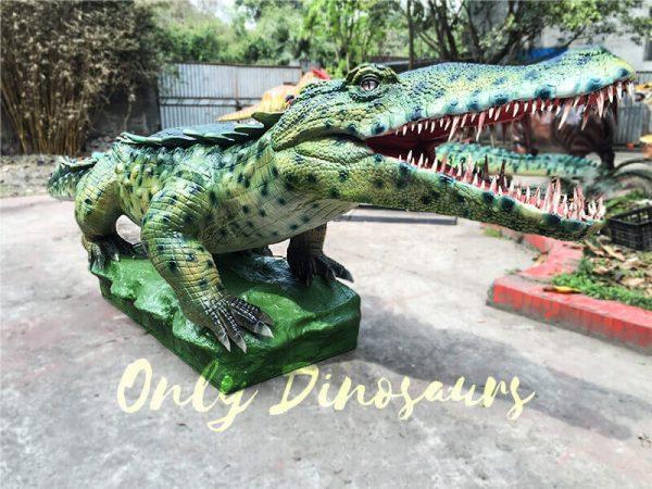 Green-Animatronic-Crocodile-with-Tusks-3