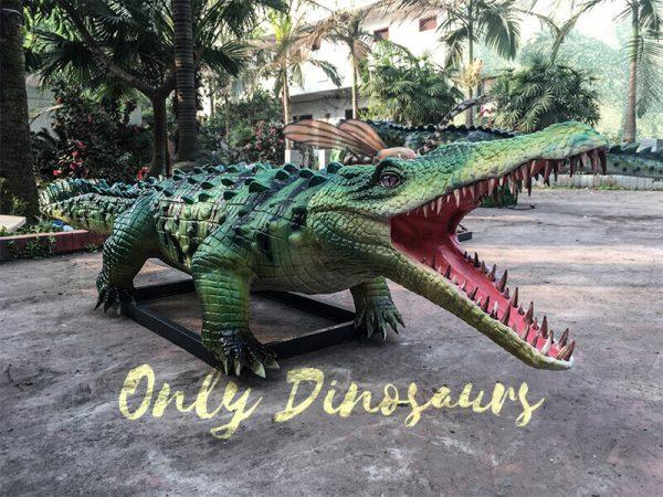 Green-Animatronic-Crocodile-with-Tusks-5