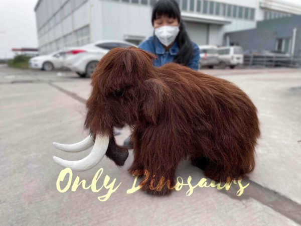 Hairy-Mammoth-puppet-with-Tusk3