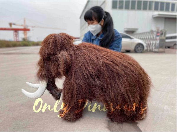 Hairy-Mammoth-puppet-with-Tusk6