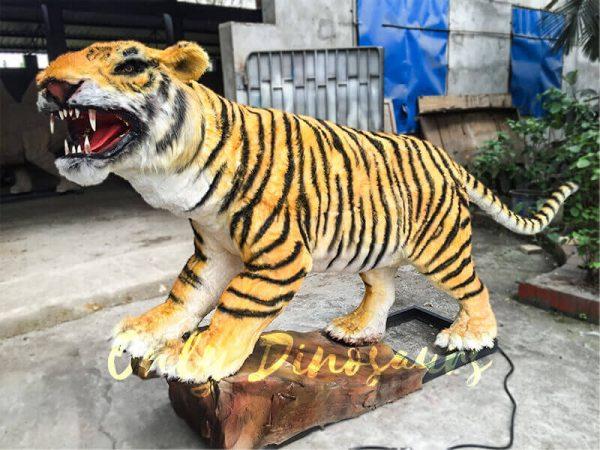 Lifelike-Electric-Tiger-with-Sharp-Teeth-2