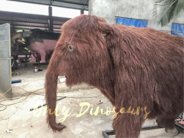 Lifelike-Ice-Age-Animatronic-Juvenile-Mammoth-Model1