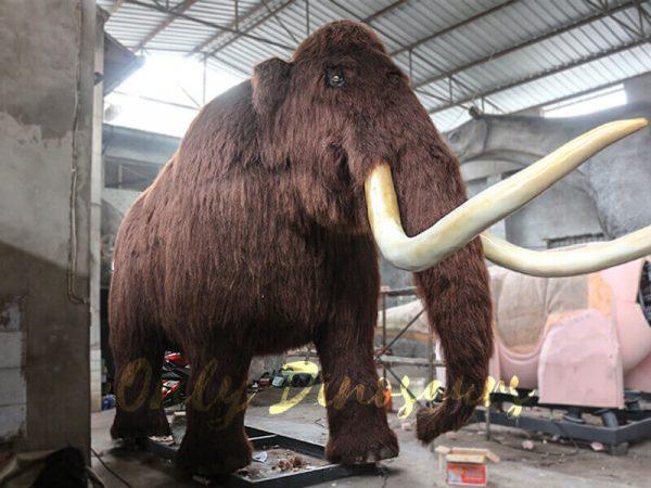 Prehistoric-Life-size-Animatronic-Animal-Woolly-Mammoth-2