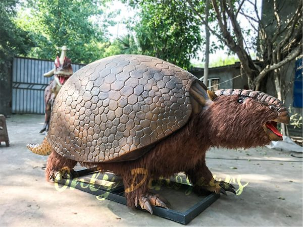 Realistic-Animatronic-Glyptodon-from-The-Ice-Age4