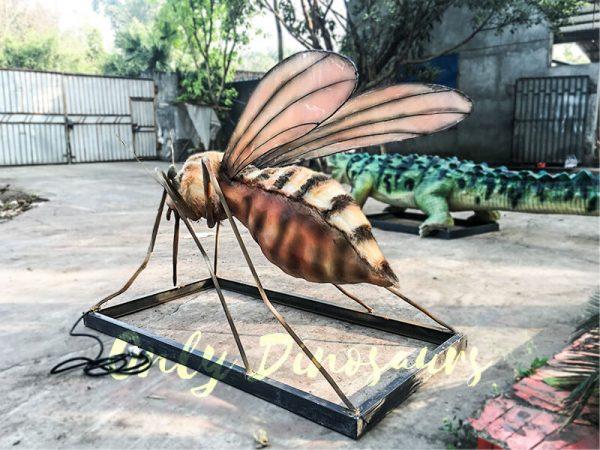 Realistic-Big-winged-Animatronic-Mosquito2-1