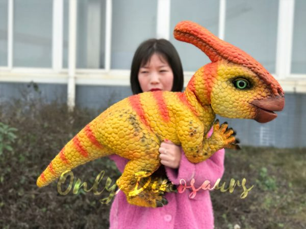 Stunning-Parasaurolophus-Dinosaur-Arm-Puppet1