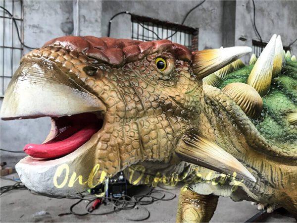 Unique-Green-Animatronic-Ankylosaur-with-Fine-Details-3
