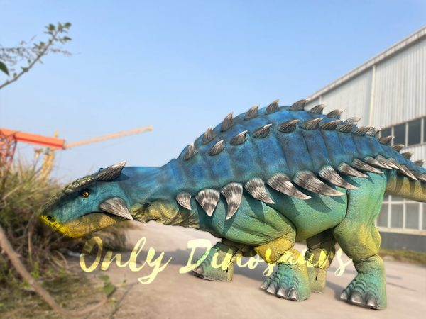 Vivid-Ankylosaur-Blue-Costume-Controlled-by-two-person3