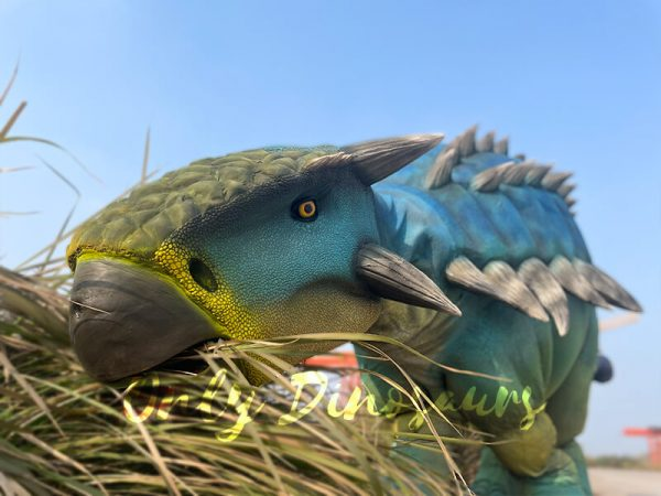 Vivid-Ankylosaur-Blue-Costume-Controlled-by-two-person4
