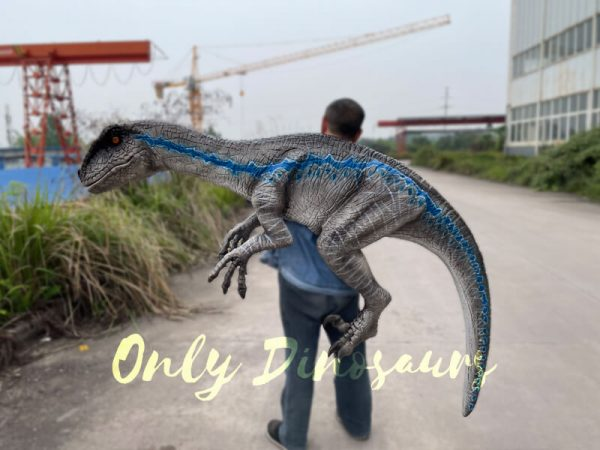 Vivid-Wearable-Hand-Control-Velociraptor-Shoulder-Puppet5-1