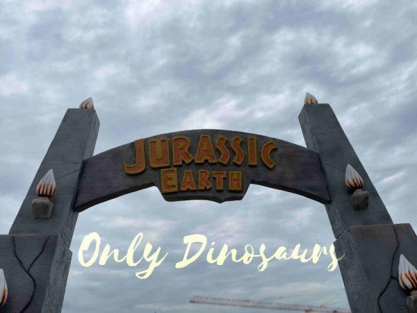 Fantastic-Jurassic-Park-Entrance-Gate5