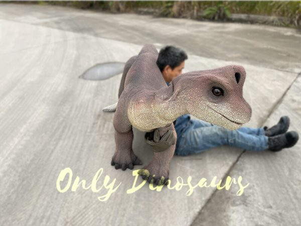 Magic-Wearable-Brachiosaurus-Shoulder-Puppet4