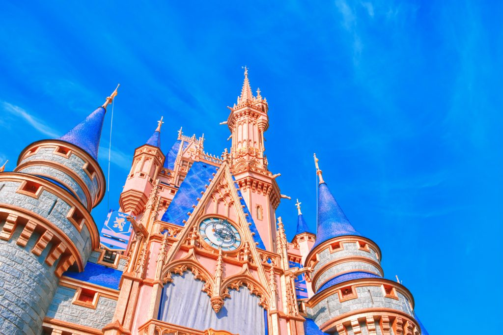 The-Best-12-Party-Characters-for-Kids-in-2021-Cinderellas-castle-at-Disneyland
