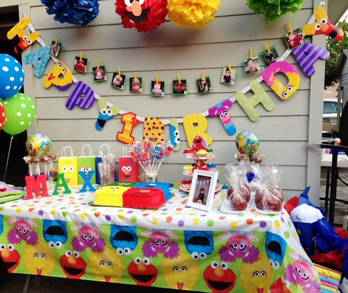 The-Best-12-Party-Characters-for-Kids-in-2021-Sesame-Street