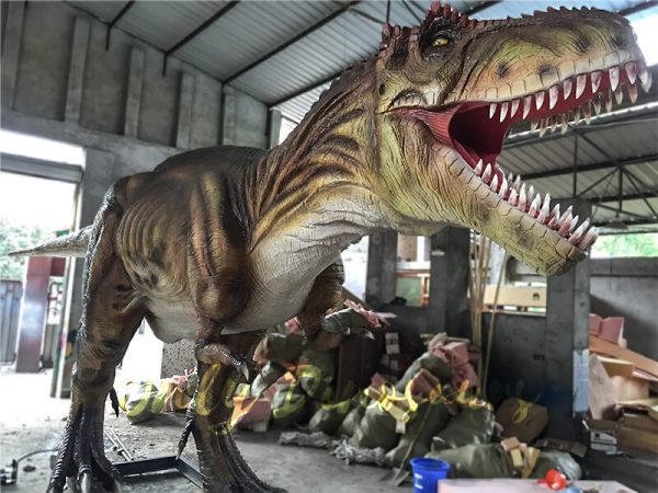 The-Snarling-T-Rex-from-Jurassic-World1