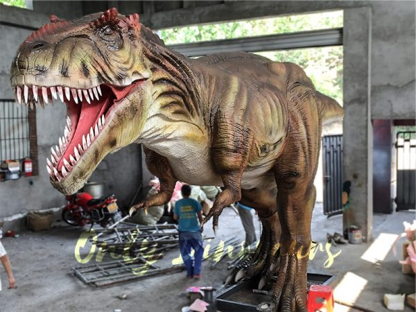 The-Snarling-T-Rex-from-Jurassic-World3