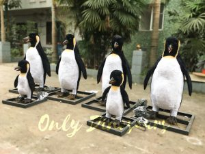 Vivid Animatronic Family Penguin Models