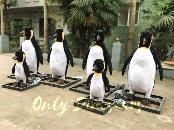 Vivid-Animatronic-Family-Penguin-Models2