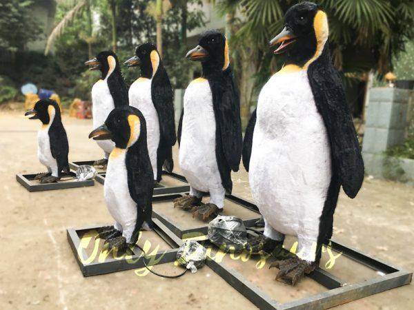 Vivid-Animatronic-Family-Penguin-Models3