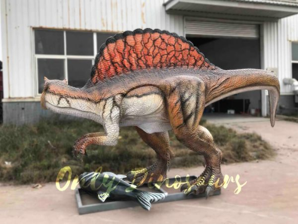Vivid-Jurassic-Animatronic-Dino-Spinosaurus-Statue5