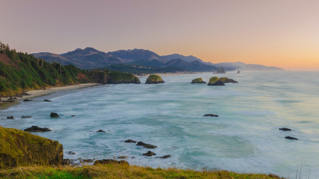 18-Best-Places-to-Travel-in-July-Destinations-in-the-U.S.-Coastline