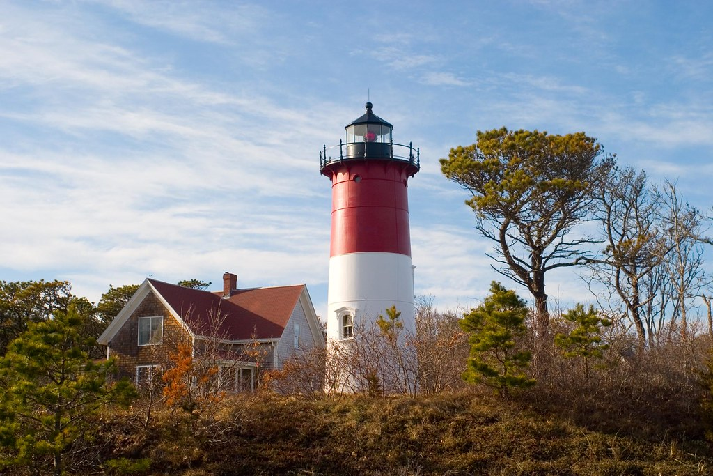 18-Best-Places-to-Travel-in-July-Destinations-in-the-U.S.-Lighthouse2