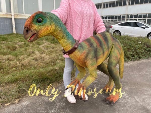 Realistic-Quantasaurus-Portable-Dinosaur-Puppet1