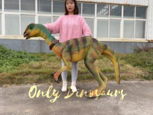 Realistic Quantasaurus Portable Dinosaur Puppet