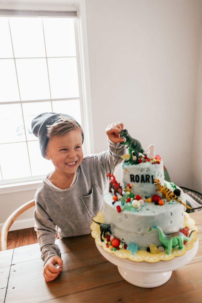 35-Unique-Dinosaur-Cake-Ideas-Everybody-Will-Love-Enjoy-Beckams-Dino-Birthday