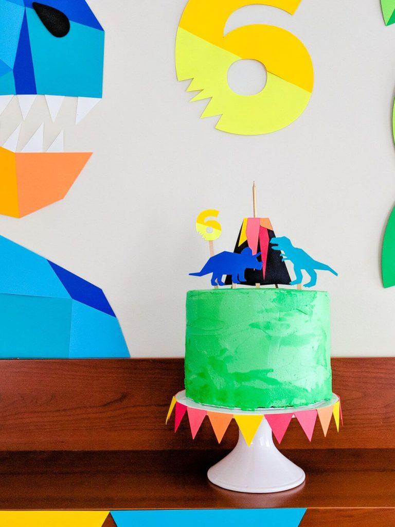 35-Unique-Dinosaur-Cake-Ideas-Everybody-Will-Love-Enjoy-Easy-DIY-Dinosaur-Cake-Topper-for-A-Dinosaur-Birthday-Party