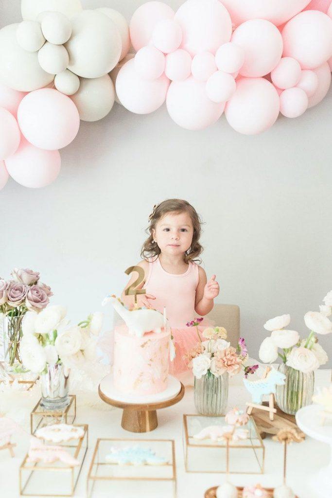 35-Unique-Dinosaur-Cake-Ideas-Everybody-Will-Love-Enjoy-Girly-Dinosaur-Birthday-Party