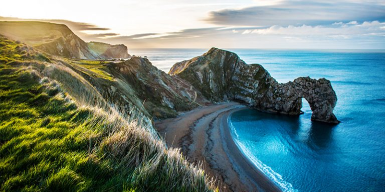 Top-12-Best-Day-Trips-for-Dinosaur-Lovers-Jurassic-Coast