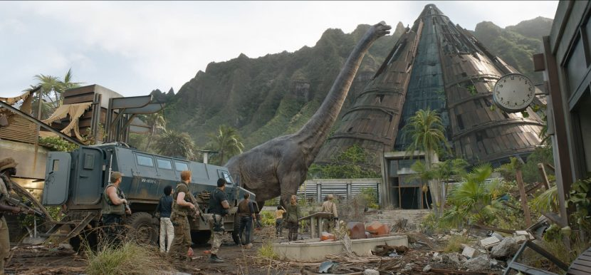 Jurassic Park Brachiosaurus and Humans